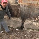 Преку 40 години отпадни води му го полнат подрумот на жител на делчевската населба Милково Брдо